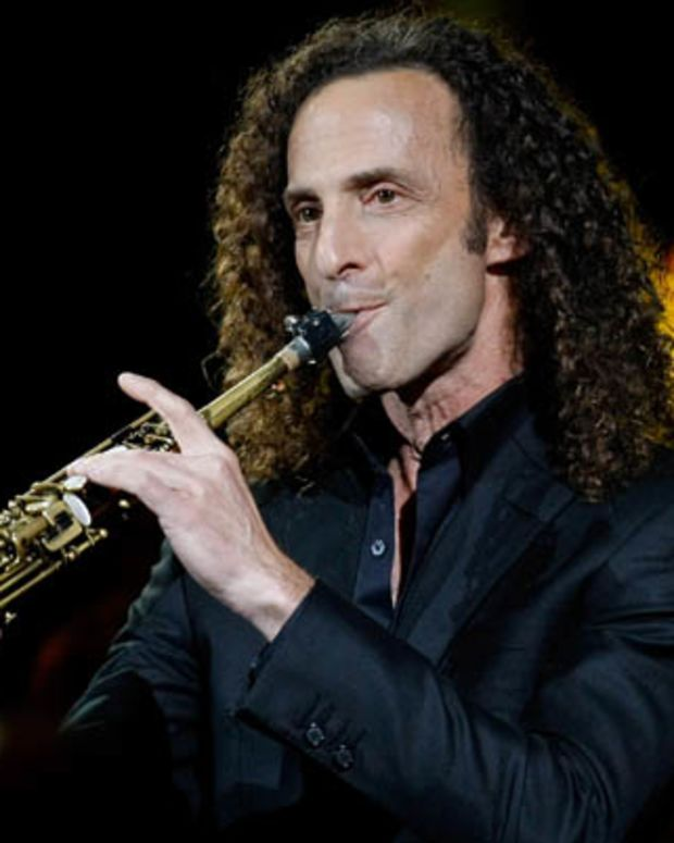 LAS VEGAS - OCTOBER 15:  Saxophonist Kenny G performs during the David Foster and Friends concert at the Mandalay Bay Events Center October 15, 2010 in Las Vegas, Nevada.  (Photo by Ethan Miller/Getty Images) *** Local Caption *** Kenny G