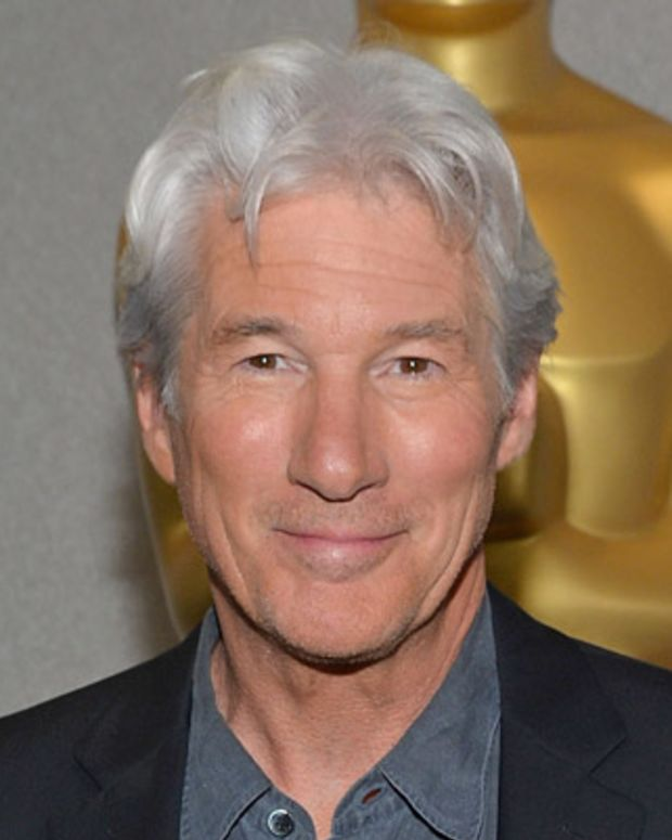 Richard-Gere-9309229-1-402(2)