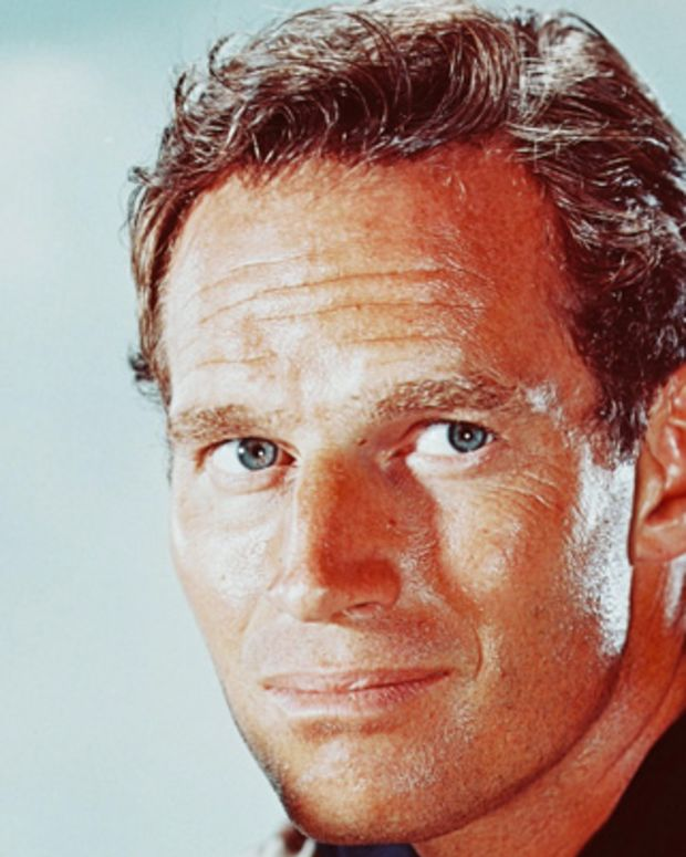 Charlton-Heston-9337556-2-402