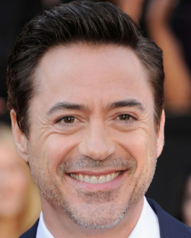 Robert-Downey-Jr-9542052-1-402