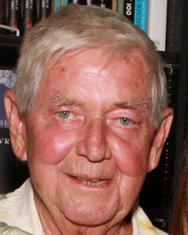 WEST HOLLYWOOD, CA - APRIL 16:  Actors Ralph Waite and Kate Linder attend the signing of Mary McDonough's book 'Lessons From the Mountain: What I Learned From Erin Walton' at Book Soup on April 16, 2011 in West Hollywood, California.  (Photo by Brian Putnam/FilmMagic) *** Local Caption *** Ralph Waite;Kate Linder