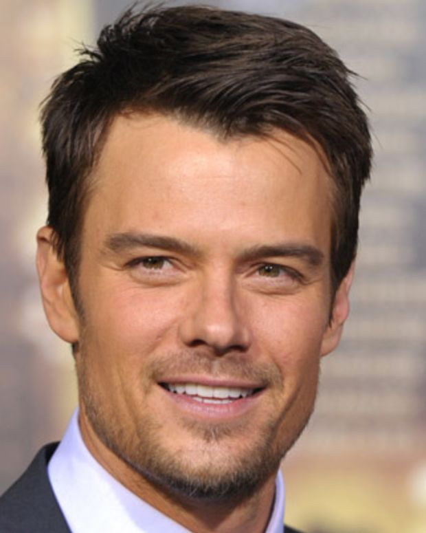 HOLLYWOOD, CA - DECEMBER 05:  Actor Josh Duhamel arrives to the Premiere Of Warner Bros. Pictures' 'New Year's Eve' at Grauman's Chinese Theatre on December 5, 2011 in Hollywood, California.  (Photo by John Shearer/Getty Images)