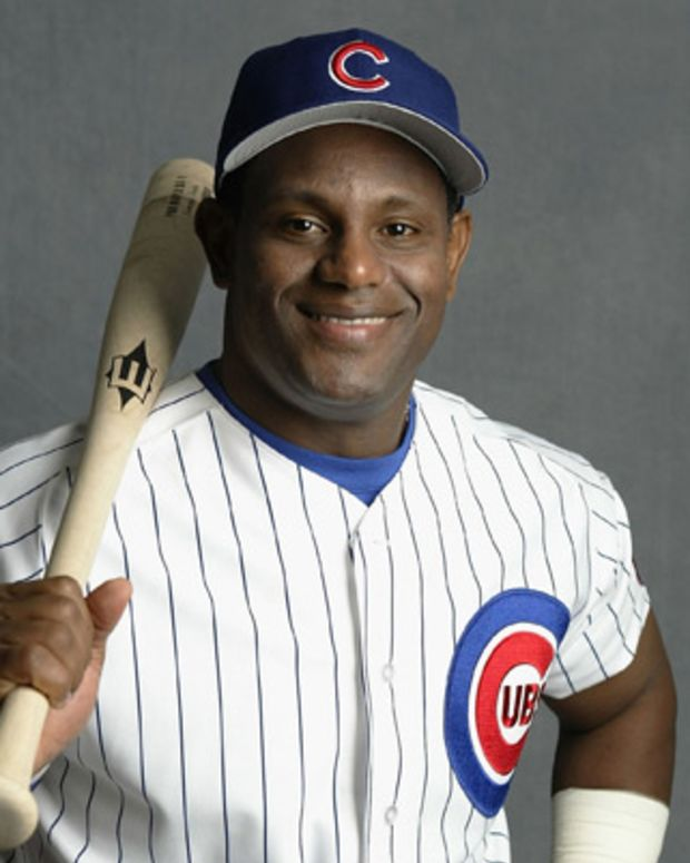 sammy sosa biography Sammy sosa is a former mlb slugger, most notably with the chicago cubs, with whom he chased roger maris's home run record born on november 12, 1968, in san pedro de marcoris, dominican republic .