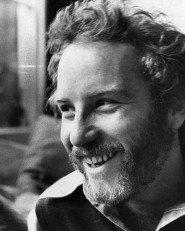 Richard-Dreyfuss-9279259-1-402