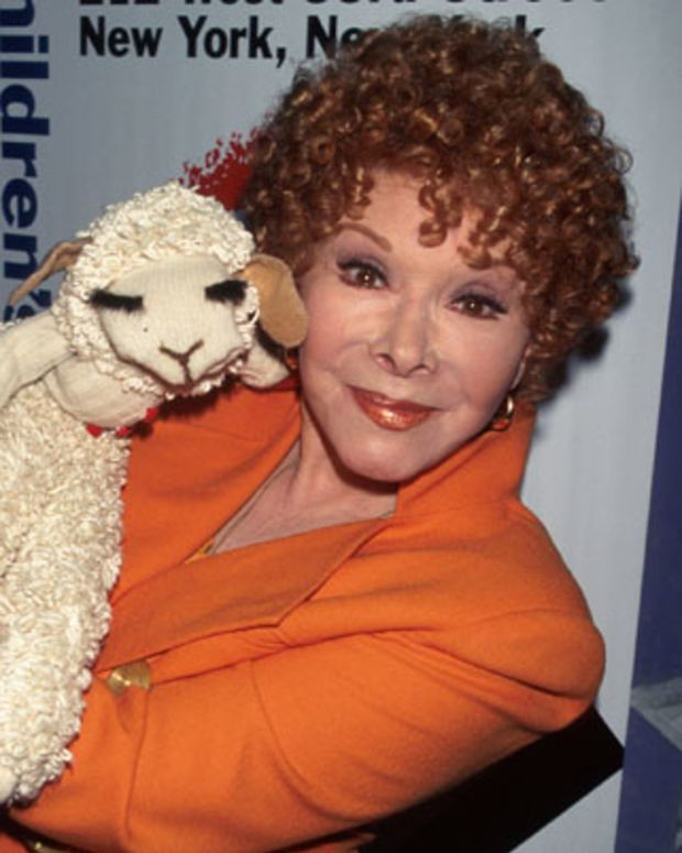 NEW YORK, UNITED STATES - APRIL 28:  Shari Lewis and Lamb Chop at the Children's Museum.  (Photo by Dave Allocca/Time & Life Pictures/Getty Images)