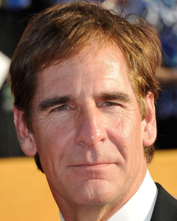 Scott Bakula arrives at the 18th Annual Screen Actors Guild Awards held at the Shrine Auditorium in Los Angeles, California on January 29, 2012. AFP PHOTO / JOE KLAMAR (Photo credit should read JOE KLAMAR/AFP/Getty Images)