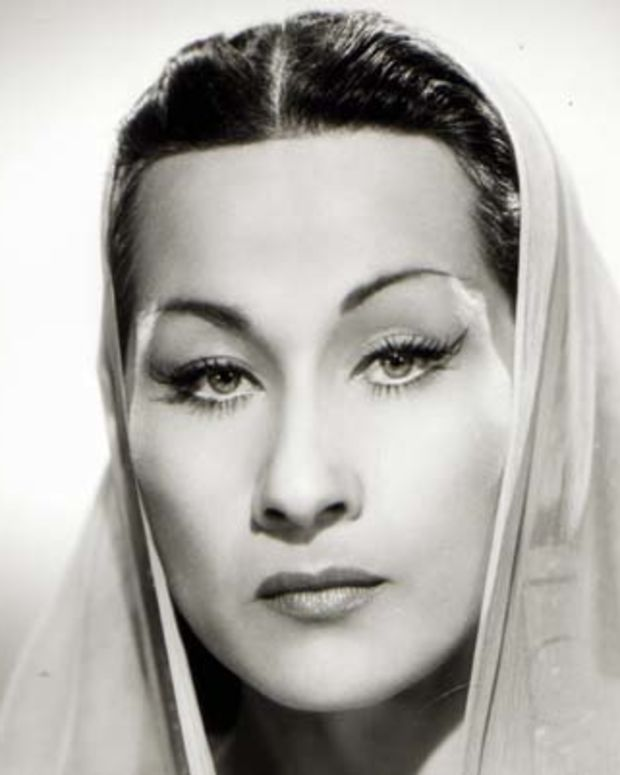 UNSPECIFIED - JANUARY 01:  (AUSTRALIA OUT) Photo of Yma SUMAC; Posed portrait of Yma Sumac  (Photo by GAB Archive/Redferns)