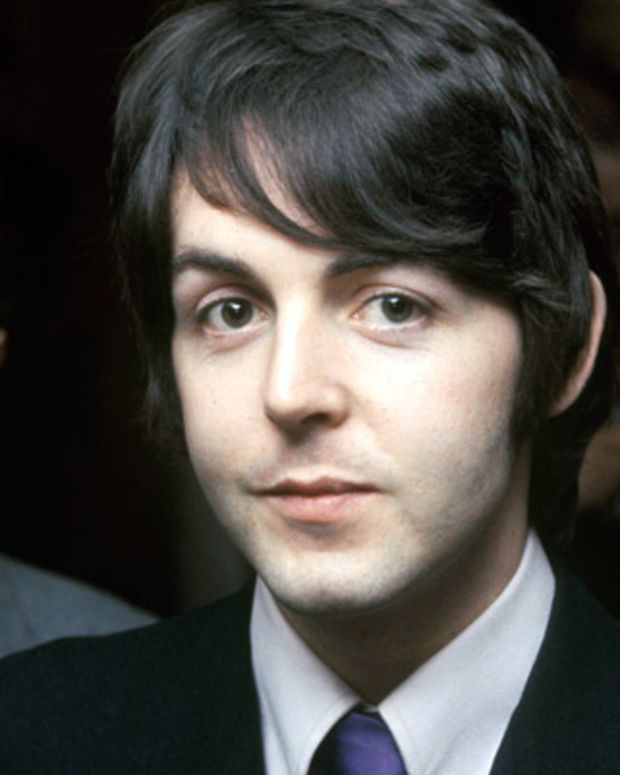Paul-Mccartney-9390850-1-402