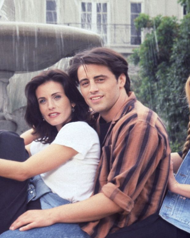 Friends Cast Photo