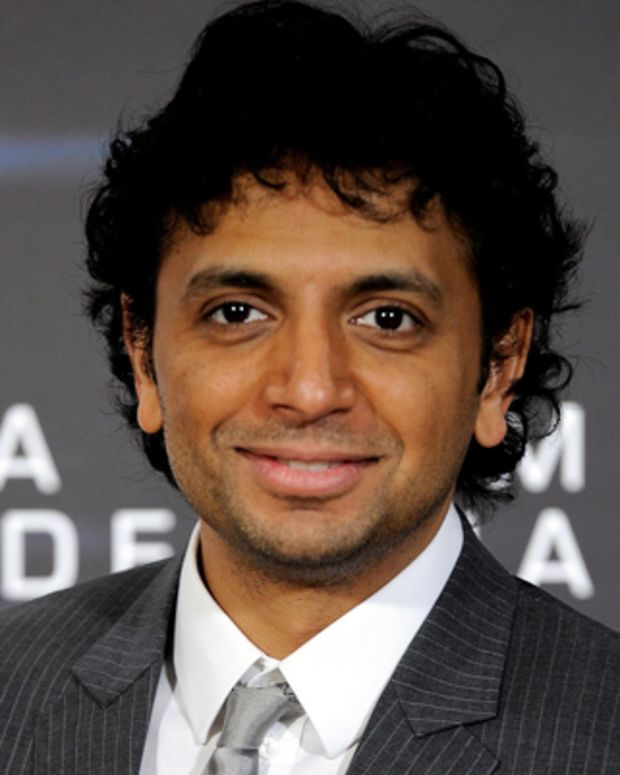 M-Night-Shyamalan-9542296-1-402