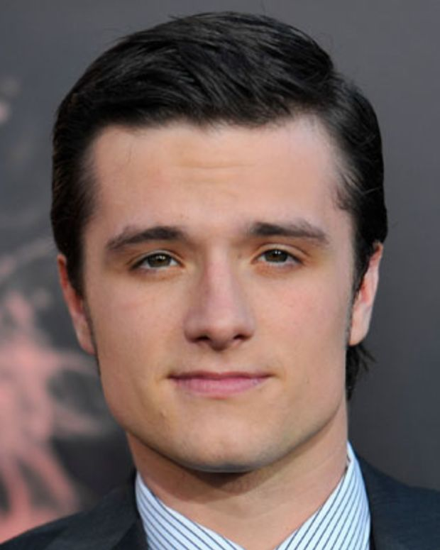 LOS ANGELES, CA - MARCH 12:  Actor Josh Hutcherson arrives to the premiere of Lionsgate's 'The Hunger Games' at Nokia Theatre L.A. Live on March 12, 2012 in Los Angeles, California.  (Photo by Alberto E. Rodriguez/Getty Images)