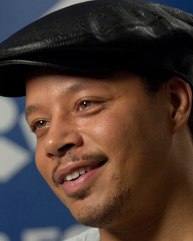 Oscar-nominated actor Terrence Howard describes his experiences and impressions of the Air Force during an interview May 27 in New York. Mr. Howard visited two Air Force bases and trained with Airmen while preparing for his role as Lt. Col. James Rhodes in the movie Iron Man. (U.S. Air Force photo/Master Sgt. Jack Braden)