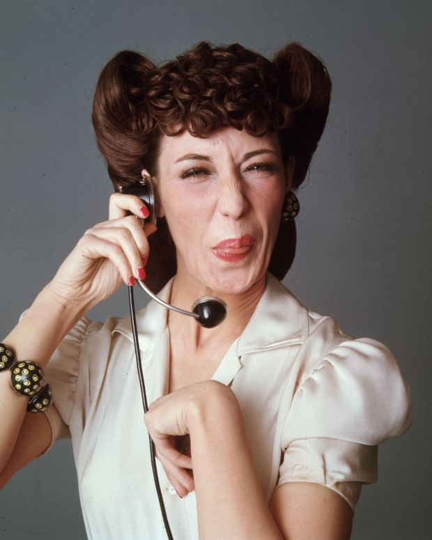 Hair Dos and Don'ts: Minne Mouse is calling. Lily Tomlin sticks out her tongue during a studio portrait for the TV series Laugh In. (Photo date: March 29, 1971). (Photo: Getty Images)