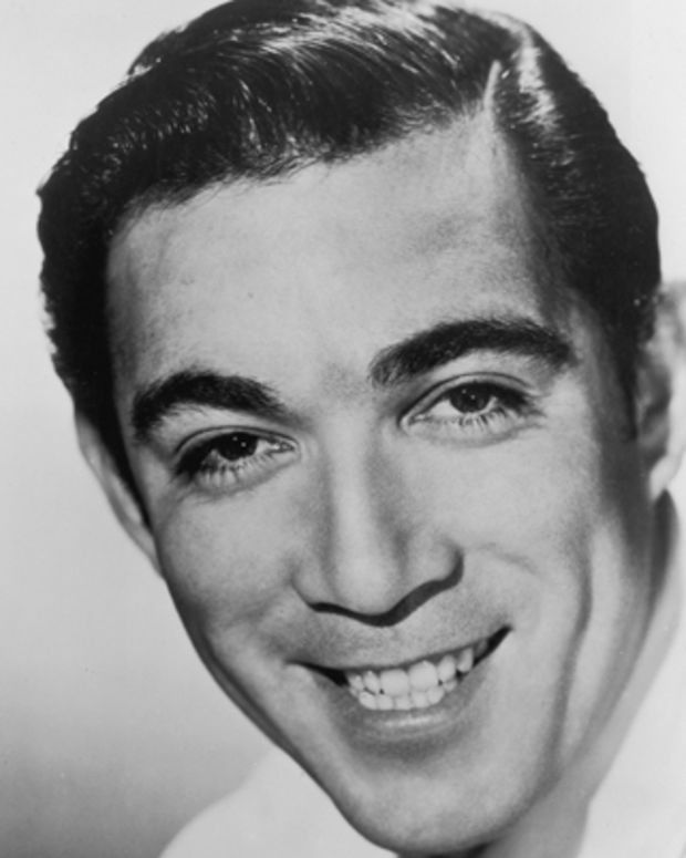 Anthony-Quinn-9449747-1-402