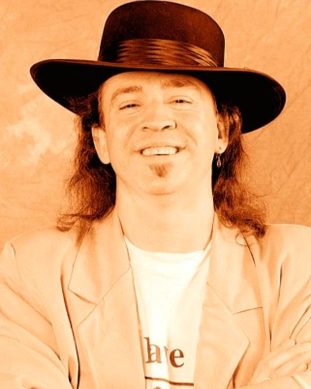 Stevie-Ray-Vaughan-9516459-1-402