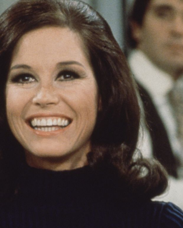 mary_tyler_moore_photo_cbs_photo_archive_getty_images_82088336_promo.jpg
