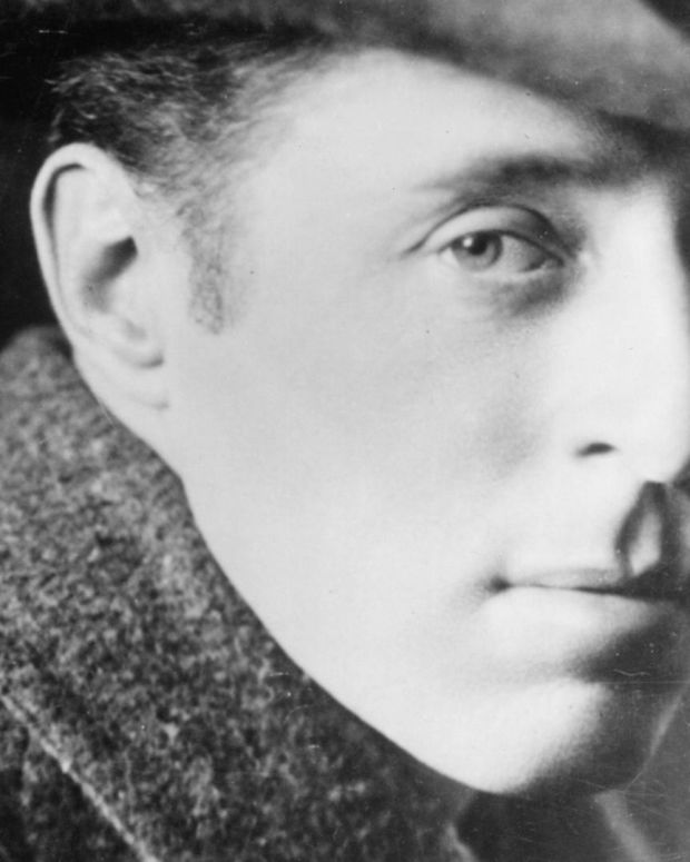 D.W. Griffith - Controversial Film Pioneer