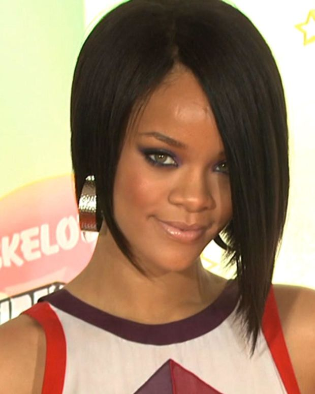 Rihanna - Mini Biography