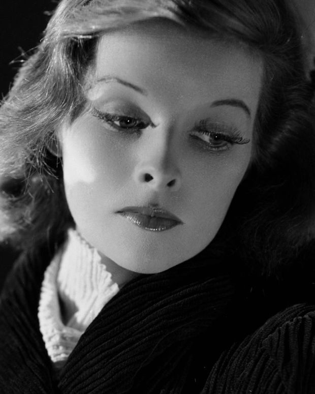 Katharine Hepburn - Mini Biography