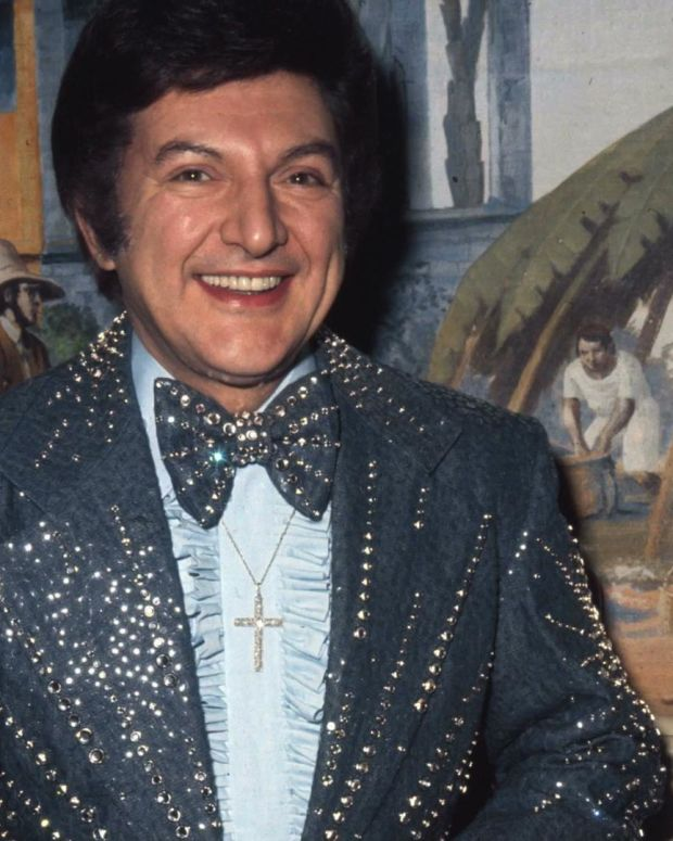 Liberace - Pianist with Pizzazz