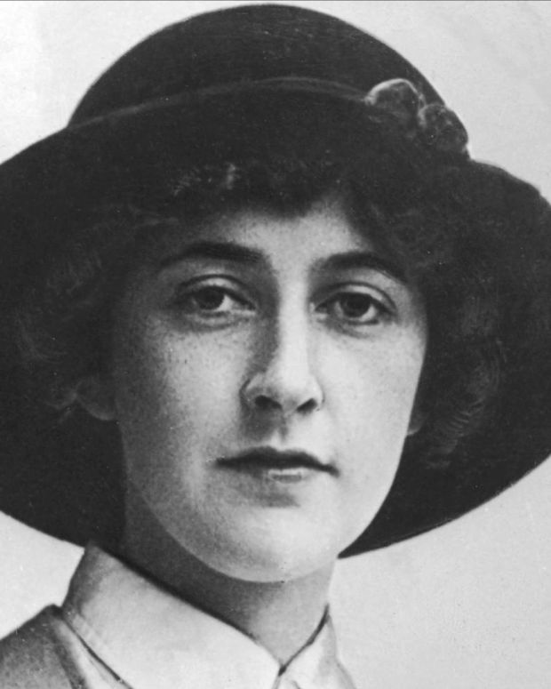 Agatha Christie - Mysterious Author