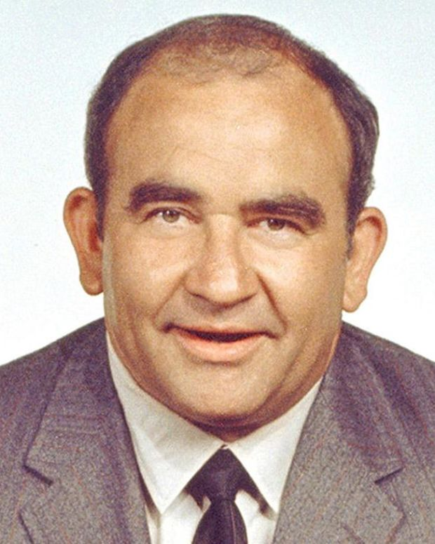 Ed Asner - Full Biography