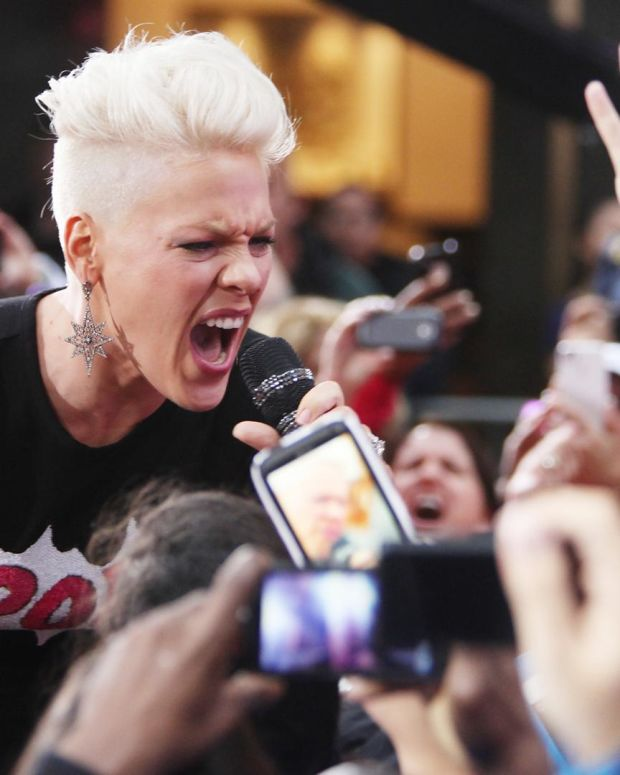 Pink - I'm Not Dead
