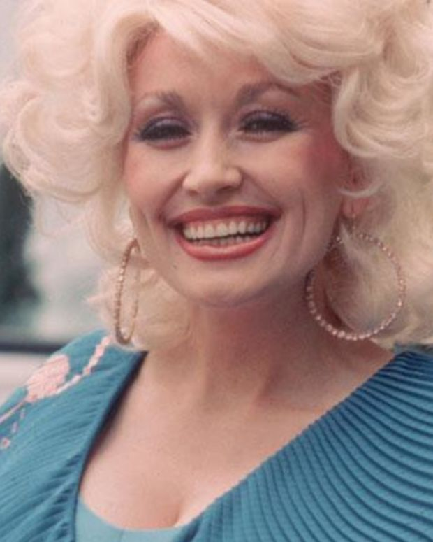 Dolly Parton - Mini Biography