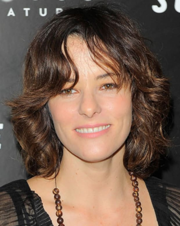 Parker-Posey-9542337-1-402