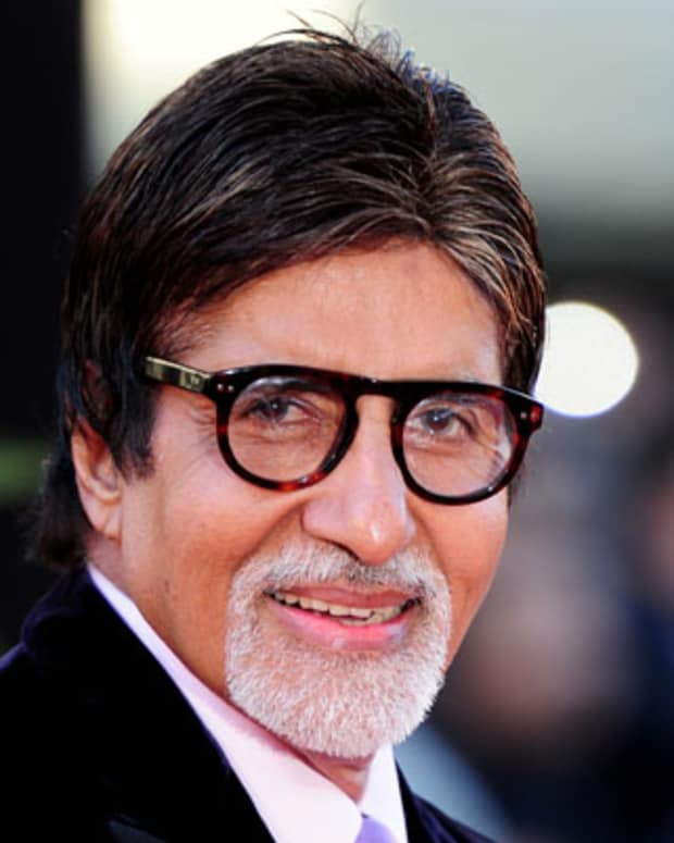 LONDON, ENGLAND - JUNE 16:  Amitabh Bachchan  arrives at the World Premiere of Raavan at the BFI Southbank on June 16, 2010 in London, England.  (Photo by Gareth Cattermole/Getty Images) *** Local Caption *** Amitabh Bachchan