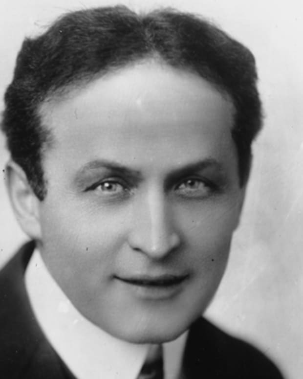 Harry-Houdini-40056-1-402