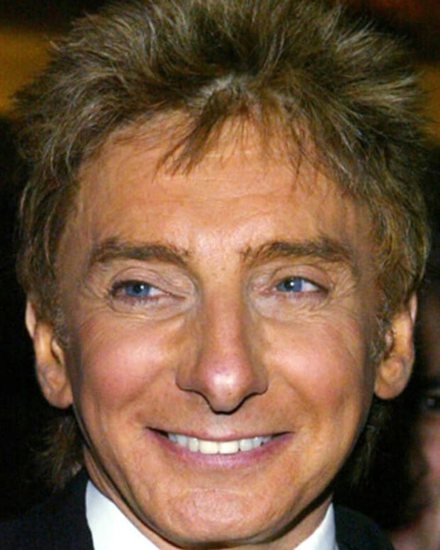 Barry-Manilow-9542490-1-402