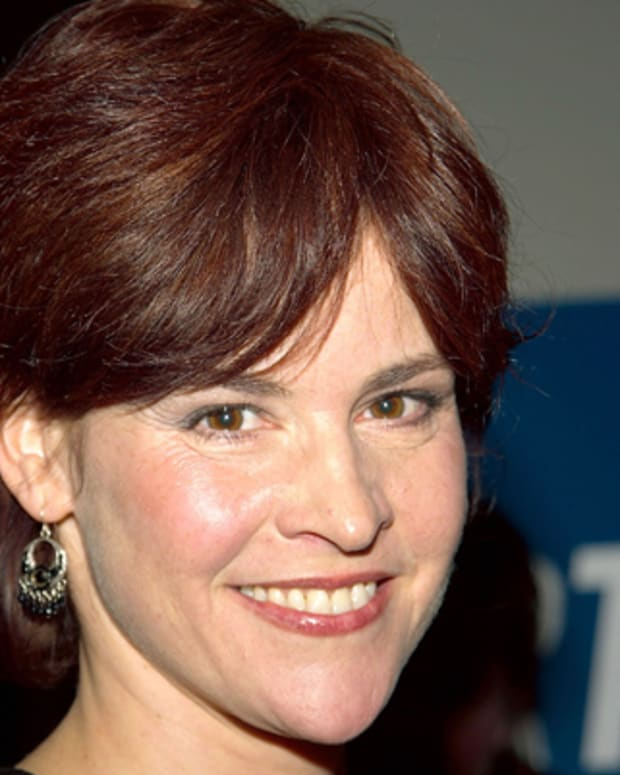 NEW YORK - DECEMBER 3:  Actress Ally Sheedy arrives for the premier of Court TV's movie 'The Interrogation of Michael Crowe' December 3, 2002 in New York City. (Photo by Lawrence Lucier/Getty Images)