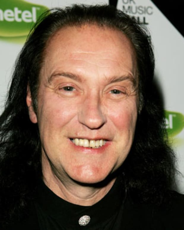 LONDON - NOVEMBER 16:  (UK TABLOID NEWSPAPERS OUT) The Kinks member Dave Davies arrives at the live final of the UK Music Hall Of Fame 2005, the culmination of the two-week Channel 4 series looking at 1950's-1990's popular music, at Alexandra Palace on November 16, 2005 in London, England. Acts are selected by a panel of over 60 artists, journalists, broadcasters and executives, with artists including Alanis Morissette, The Pretenders and Slash paying tribute to their fellow musical artists at the event.  (Photo by Dave Hogan/Getty Images) *** Local Caption *** Dave Davies