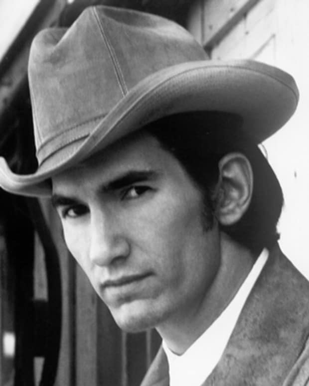 UNSPECIFIED - CIRCA 1970:  Photo of Townes Van Zandt  Photo by Michael Ochs Archives/Getty Images