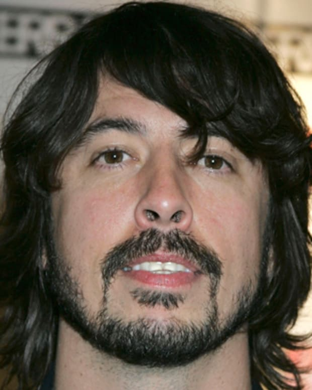 Dave-Grohl-279081-1-402