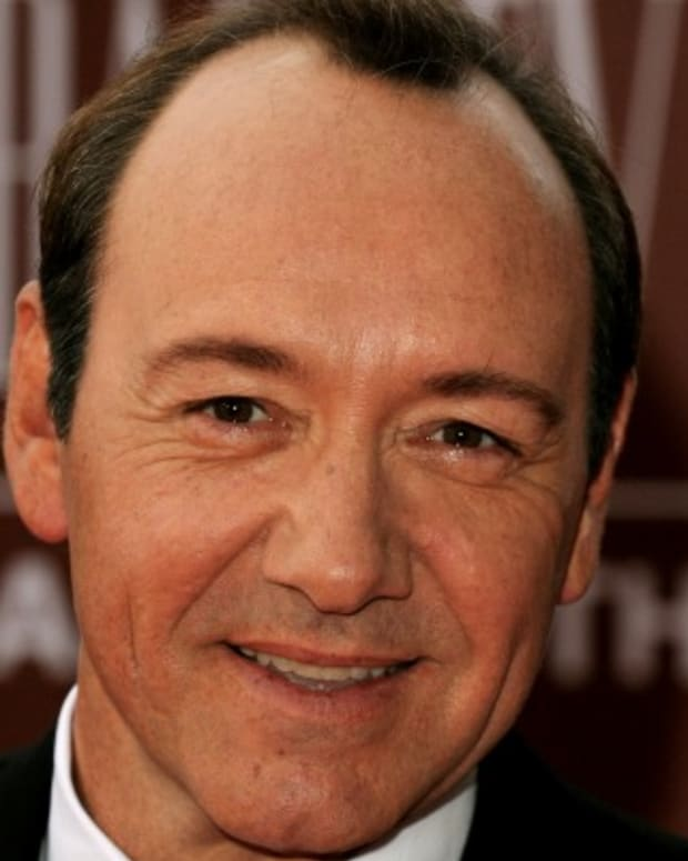 Kevin-Spacey-9489645-1-402