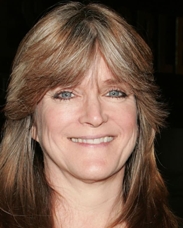 LOS ANGELES, CA - OCTOBER 23:  Actress Susan Olsen attends a signing for her book 'Love to Love You Bradys' at Barnes & Noble Booksellers at The Grove on October 23, 2009 in Los Angeles, California.  (Photo by David Livingston/Getty Images) *** Local Caption *** Susan Olsen