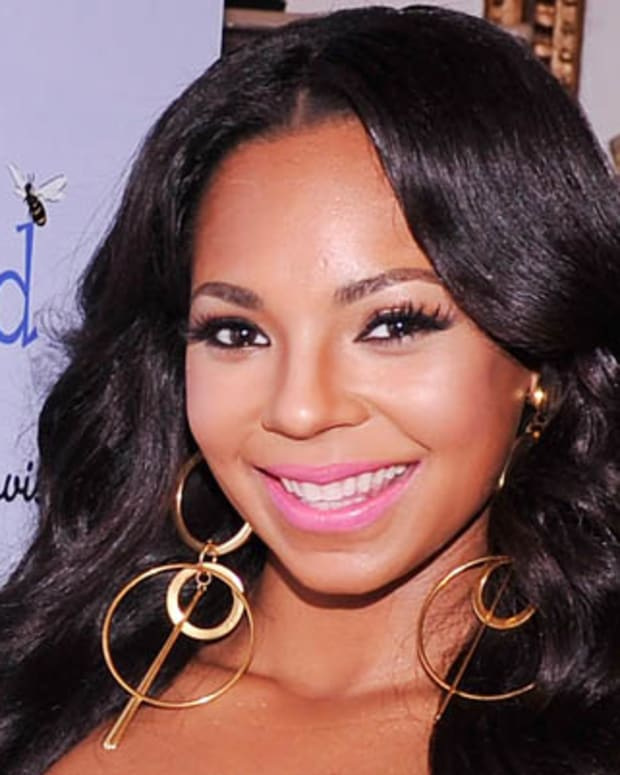 NEW YORK, NY - SEPTEMBER 24:  Singer Ashanti visits NBC's The Today Show as part of Jumpstart's Read For The Record at New York Public Library on September 24, 2012 in New York City.  (Photo by Stephen Lovekin/Getty Images Jumpstart)
