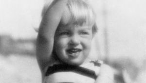 Marilyn Monroe - Childhood