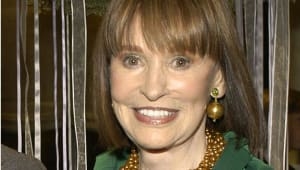 Gloria Vanderbilt - Full Biography