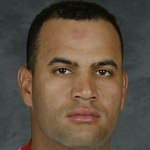 albert pujols bio Albert pujols is a dominican professional baseball player with the st louis  cardinals of major league baseball currently a first baseman,.