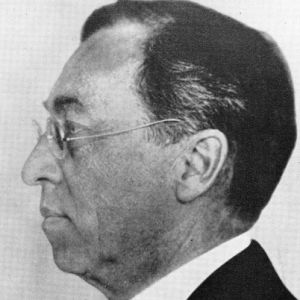 Wassily Kandinsky - Lawyer, Painter, Educator - Biography.com