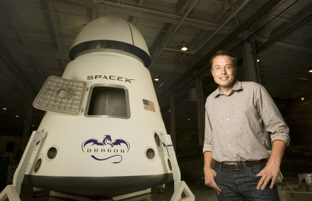 Tech Giants: Elon way from home. Elon Musk, an entrepreneur and inventor known for founding the private space-exploration corporation SpaceX, as well as co-founding Tesla Motors and Paypal, poses for a portrait in Los Angeles, California, on July 25, 2008. (Photo by Dan Tuffs/Getty Images.)
