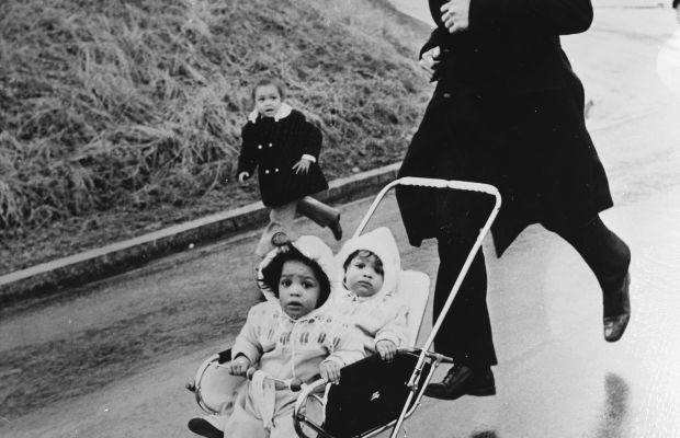 'The Greatest' Dad. Muhammad Ali trains in Zurich with his twins Jamillah and Rasheda at the wheel(s) and eldest daughter Maryum close behind. December 22, 1971. (Getty)