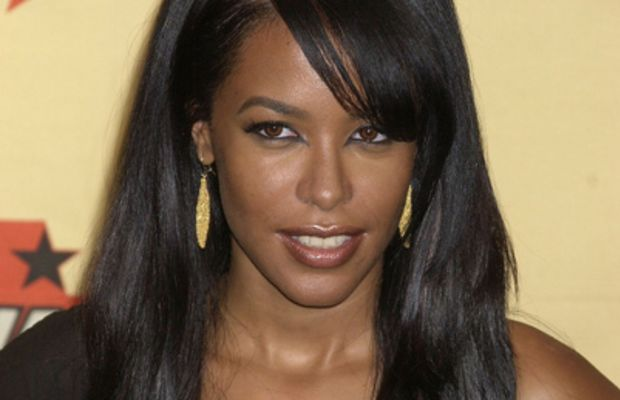 After her second album debuted in 1994, Aaliyah debuted a new look inspired by classic film star Veronica Lake. (Photo: Getty Images)