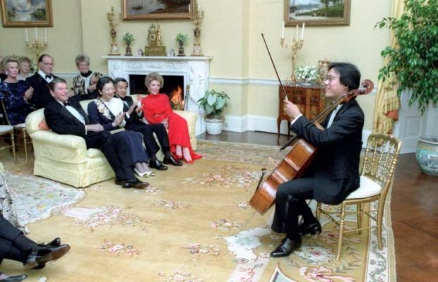 Yo-Yo Ma performs at a private dinner for Crown Prince Akihito and Crown Princess Michiko of Japan, hosted by President Ronald Reagan, at the White House. (Photo: Wikimedia Commons/White House Photo Office)