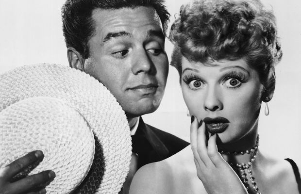 Desi Arnaz and Lucille Ball pose for an 'I Love Lucy' promo. (Photo: Getty Images)