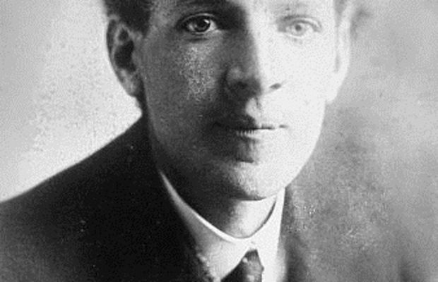 an introduction to the life of upton sinclair an american writer 1901 springtime and harvest (retitled king midas) sinclair's first published novel, like all of his early fiction--prince hugen (1903), the journal of arthur.