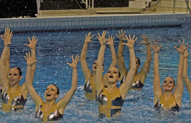 """Modern Mermaid"": The Woman Who Made Synchronized Swimming a Splash"